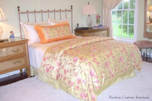 Duvet Cover With Shams, Pillow and Box-Pleated Dust Ruffle