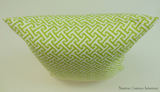 hand-sew-a-pillow-closed-using-ladder-stitch