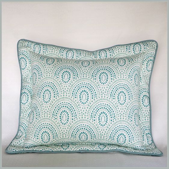 flanged pillow