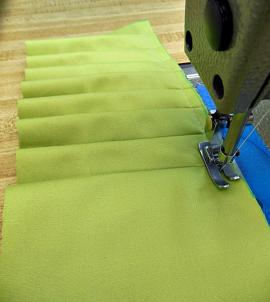 knife pleating
