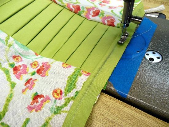 Stunning color block pillow tutorial